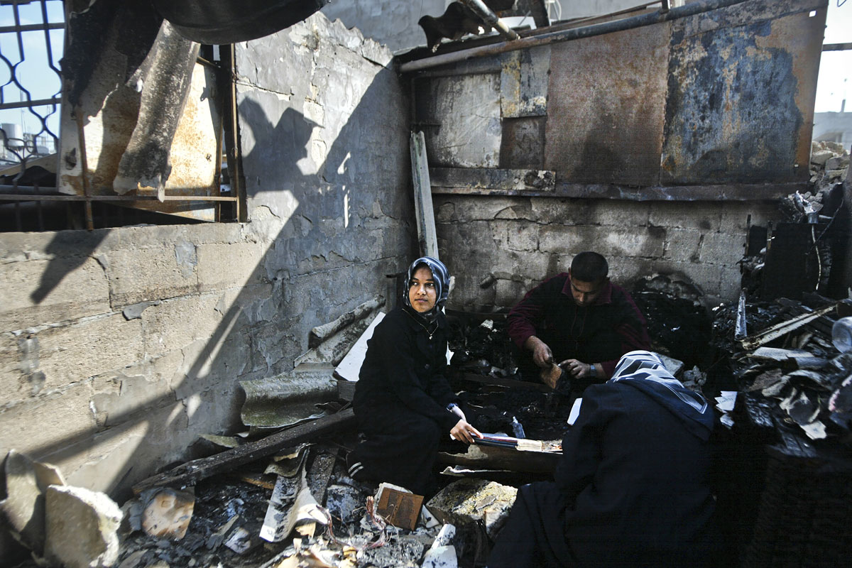 Ground Focus Palestinian displaced after aereal bombing Gaza